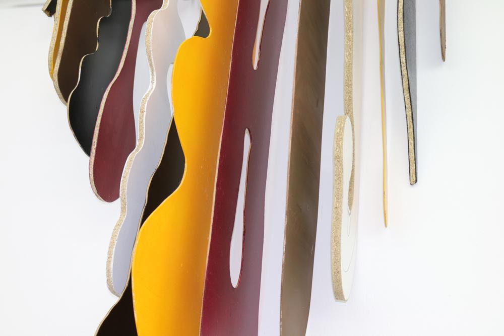 lecker, 2016, MDF, Pressspanplatte, Rundstab aus Stahl, Stangenhalterungen, 170cm x 130cm x 50cm