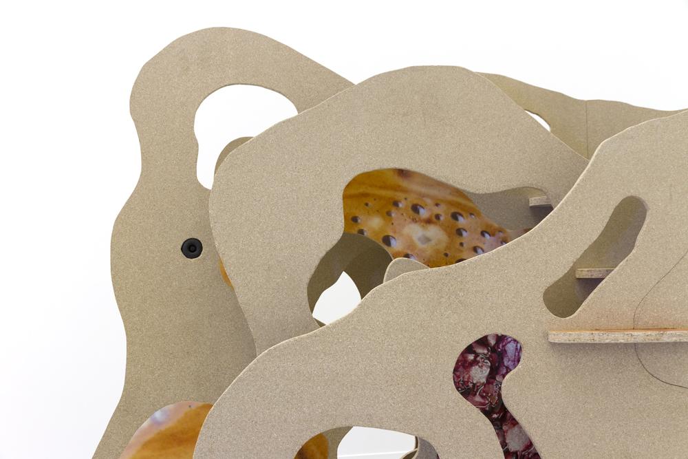 mille feuille foie gras, 2015, Spanplatte, Digitaldruck, Beamer, Bildschirme, Mediaplayer, Video, Hörstücke, 230cm x 340cm x 130cm