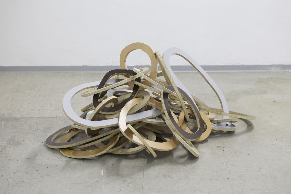 Magic heap, 2013, Spanplatte, 100cm x 100cm