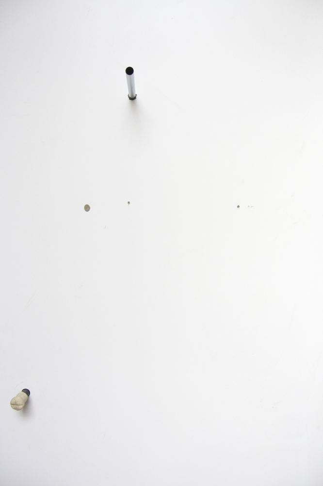 3ZBAKKTm.F.MSSPKTGL, 2017, Spanplatte,Kunststoff, Wolle, Edelstahl, Aluminium, Flüssigseife, 207cm x140cm x140cm