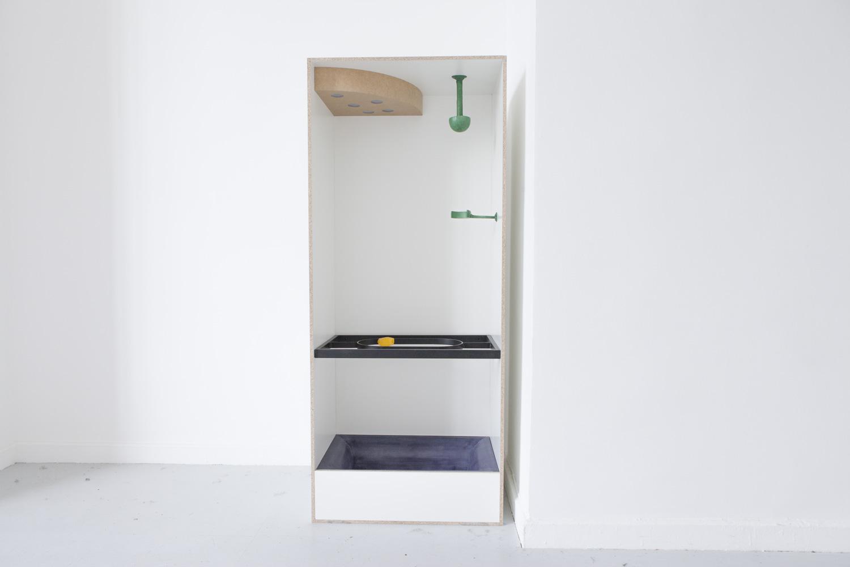 Safe, 2019, Spanplatte, Stahl, Polyester, MDF, Kunststoff, Textilband, 210x88 x56 +Tür 182x85x27cm